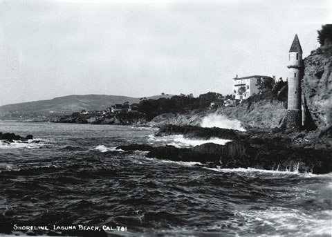 The iconic tower at Victoria Beach in the 1900s | Photo courtesy of Laguna Beach Historical Society
