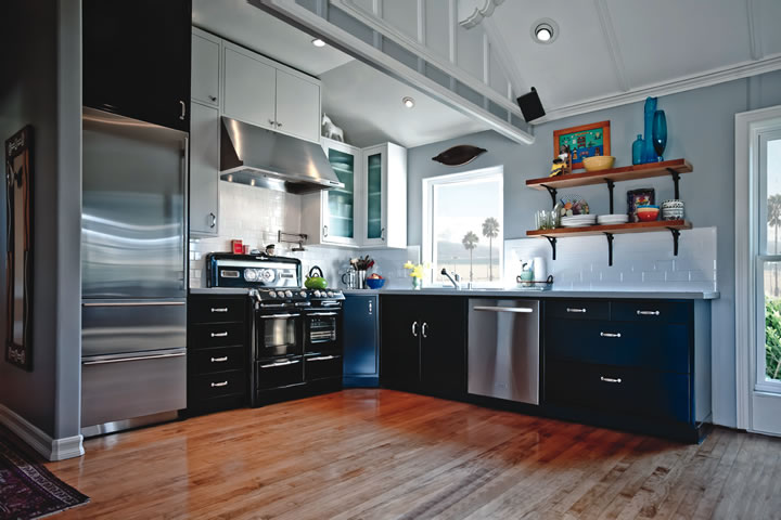 This Laguna kitchen features Moya Living cabinets made from metal, proving it's more than just a structural element.