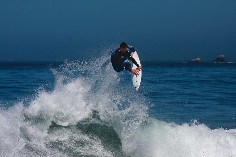 Brooks Street is for experienced surfers.  Photo by Vince Cox